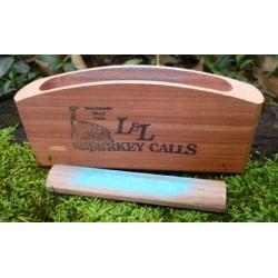 L&L Cedar Scratch Box
