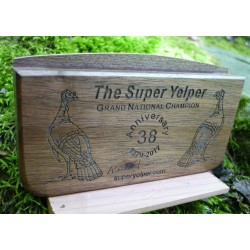 Super Yelper Walnut Scratch Box